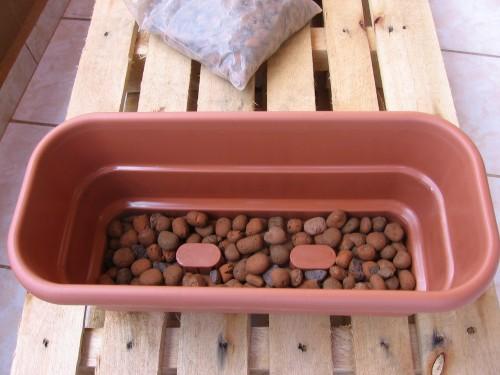 A argila expandida ajuda a drenar a água
